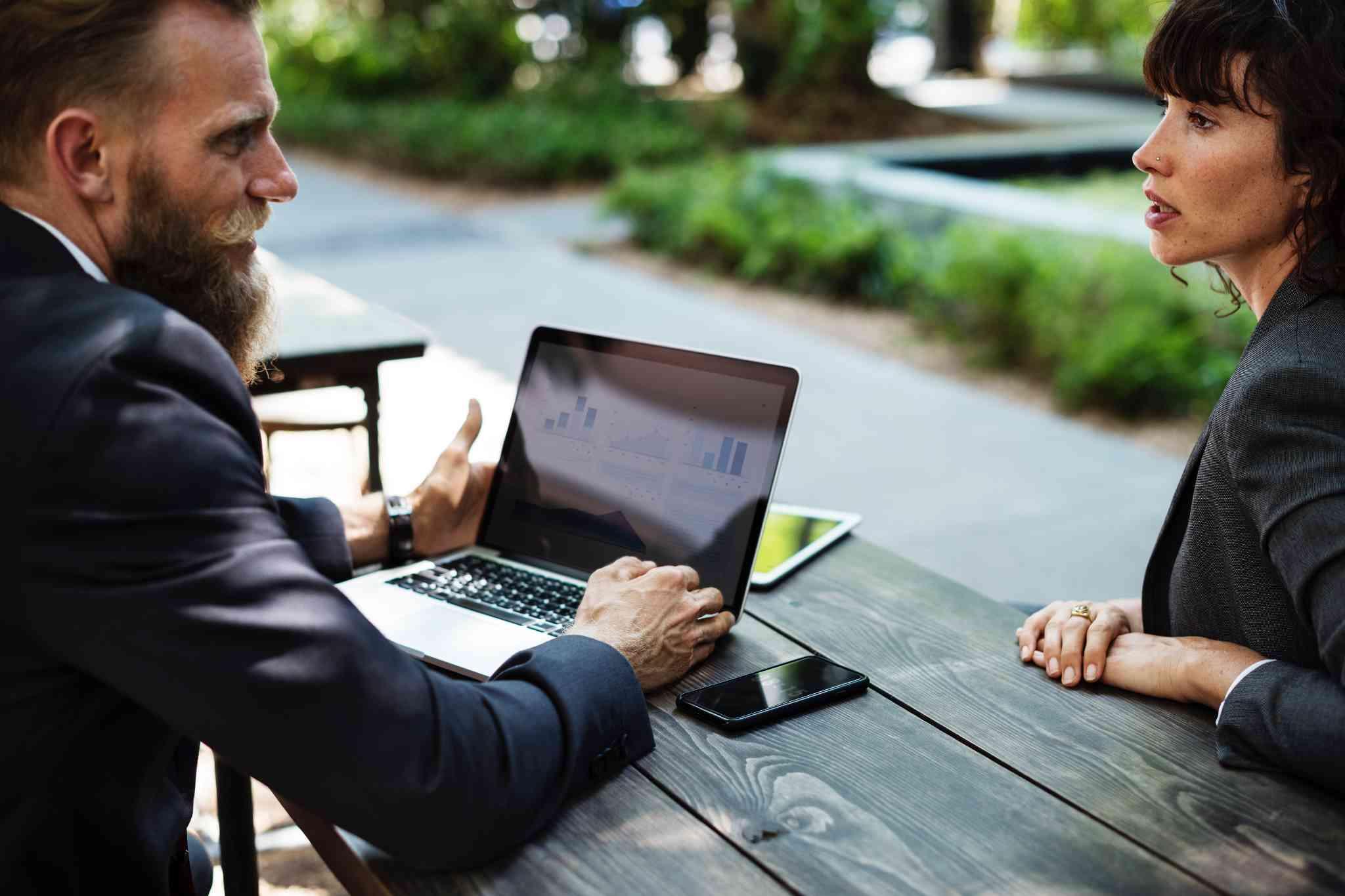Visste du dette, om hvordan B2B-kunder i industrien gjør innkjøp?